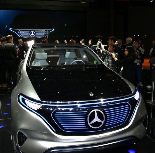 Mercedes Generation EQ al Salone di Parigi 2016 - Foto 1 di 24