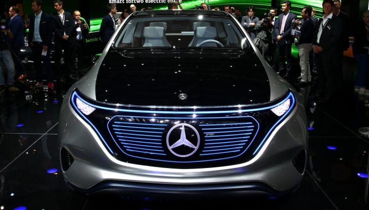 Mercedes Generation EQ al Salone di Parigi 2016 - Foto 14 di 24