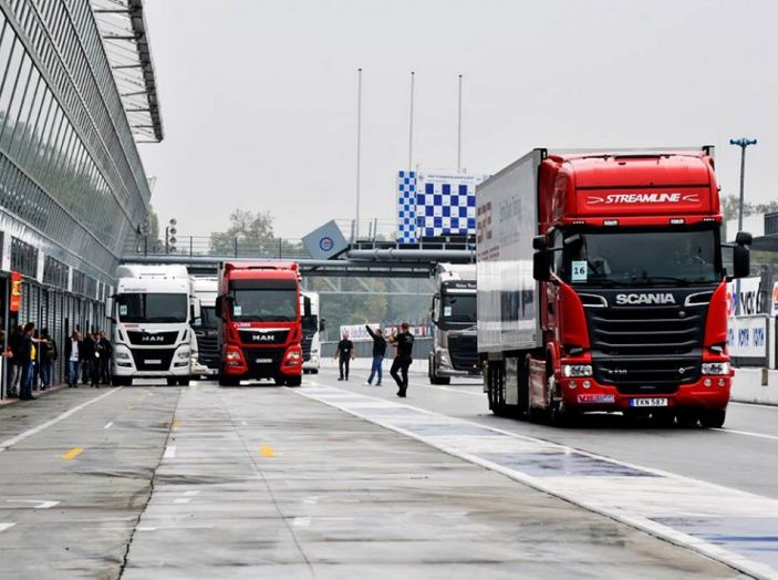 Scania Serie S protagonista di truckEmotion 2016 - Foto 2 di 9