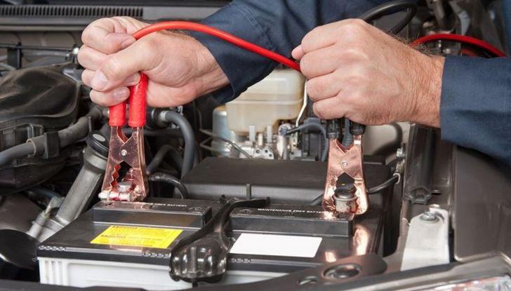 Come far ripartire l'auto con i cavi - Foto 6 di 6