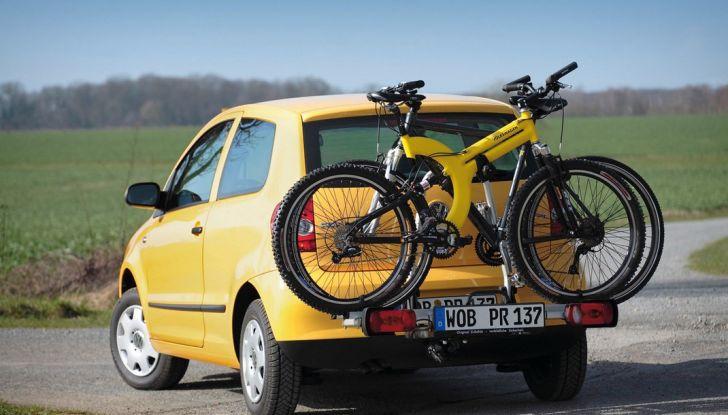 Trasporto bici in auto: accessori e modalità - Foto 4 di 7