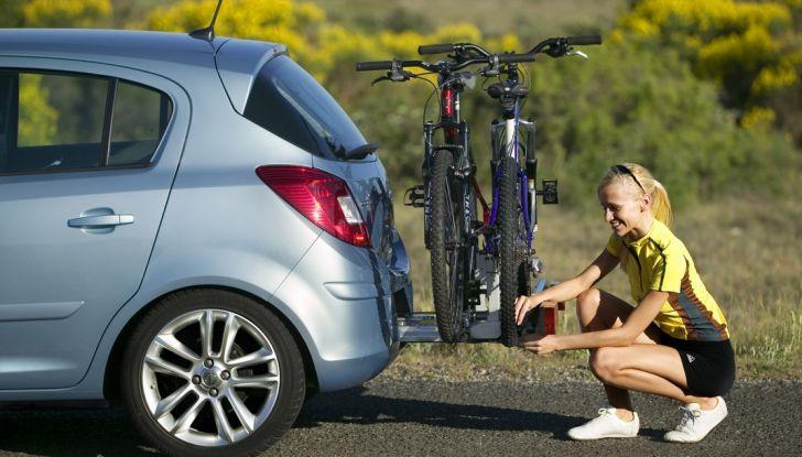 Trasporto bici in auto: accessori e modalità - Foto 5 di 7
