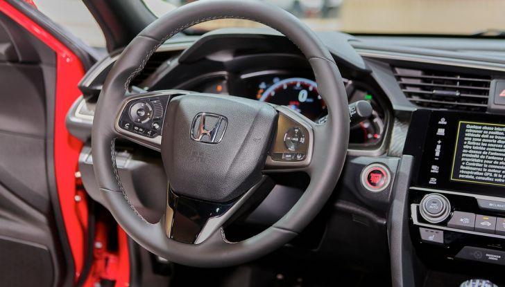 Nuova Honda Civic, posto guida.