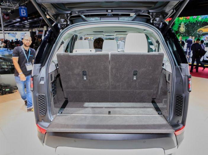 Nuova Land Rover Discovery al salone Auto e Moto d'Epoca - Foto 10 di 19