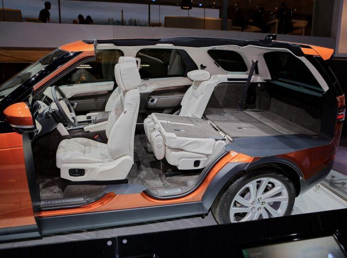 Nuova Land Rover Discovery al salone Auto e Moto d'Epoca - Foto 15 di 19
