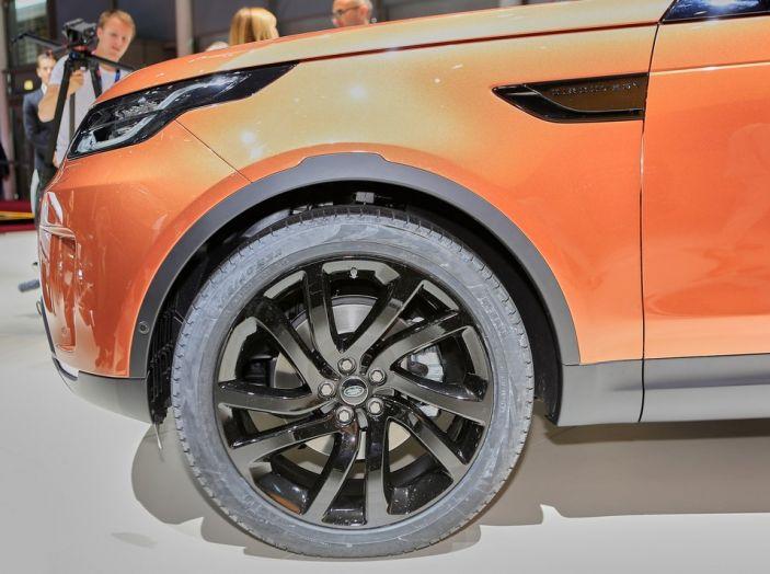 Nuova Land Rover Discovery al salone Auto e Moto d'Epoca - Foto 6 di 19