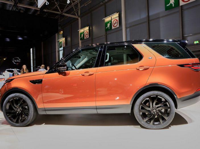 Nuova Land Rover Discovery al salone Auto e Moto d'Epoca - Foto 5 di 19