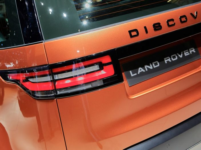 Nuova Land Rover Discovery al salone Auto e Moto d'Epoca - Foto 3 di 19