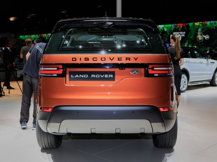 Nuova Land Rover Discovery al salone Auto e Moto d'Epoca - Foto 17 di 19
