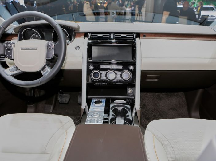 Nuova Land Rover Discovery al salone Auto e Moto d'Epoca - Foto 19 di 19