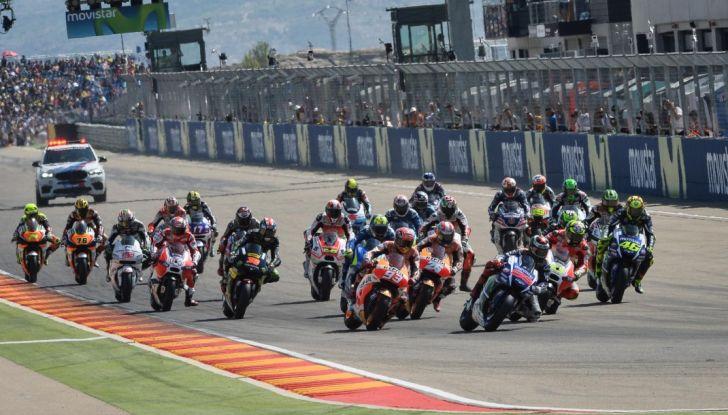 Risultati MotoGP 2016, Aragon: trionfa Marquez, Rossi terzo - Foto 2 di 22