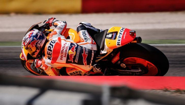 Risultati MotoGP 2016, Aragon: trionfa Marquez, Rossi terzo - Foto 10 di 22