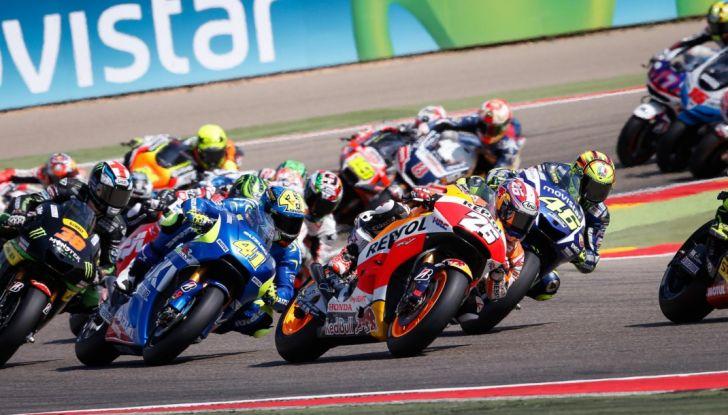 Risultati MotoGP 2016, Aragon: prima fila tutta spagnola, Rossi sesto - Foto 1 di 22