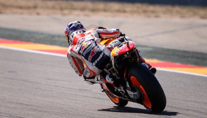 Risultati MotoGP 2016, Aragon: trionfa Marquez, Rossi terzo - Foto 9 di 22