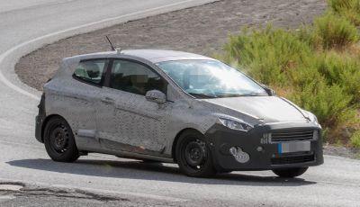 Nuova Ford Fiesta, foto spia della versione 3 porte