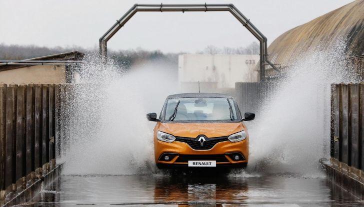 Nuova Renault Scenic, prezzi e gamma per il mercato italiano - Foto 8 di 15