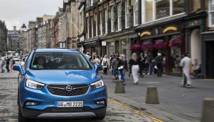 Nuovo Opel Mokka X: prova su strada, prezzi e motori - Foto 7 di 8