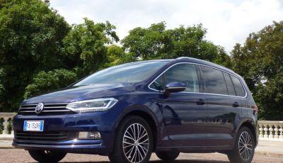 Prova su strada Volkswagen Touran 2.0 TDI 7 posti: caratteristiche, consumi e prezzi