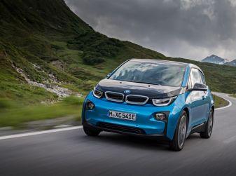 BMW i3 2017 al Salone di Parigi: batteria da 94Ah per 300Km di autonomia