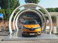 Alla 73° Mostra del Cinema di Venezia debuttano NINGYO e la nuova Renault Scenic