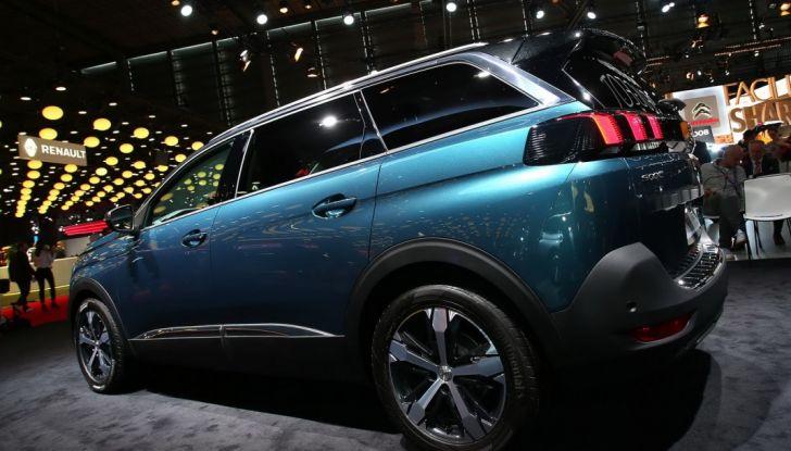 Nuovo SUV Peugeot 5008 2017: caratteristiche, motorizzazioni e uscita - Foto 6 di 10
