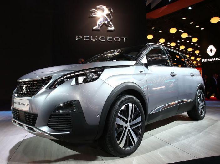 Nuovo SUV Peugeot 5008 2017: caratteristiche, motorizzazioni e uscita - Foto 7 di 10