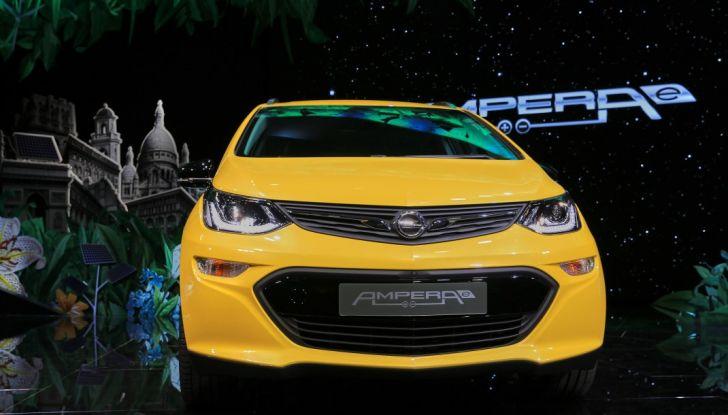 Nuova Opel Ampera-e: la ricarica rapida garantisce un'autonomia di 150 chilometri - Foto 6 di 27