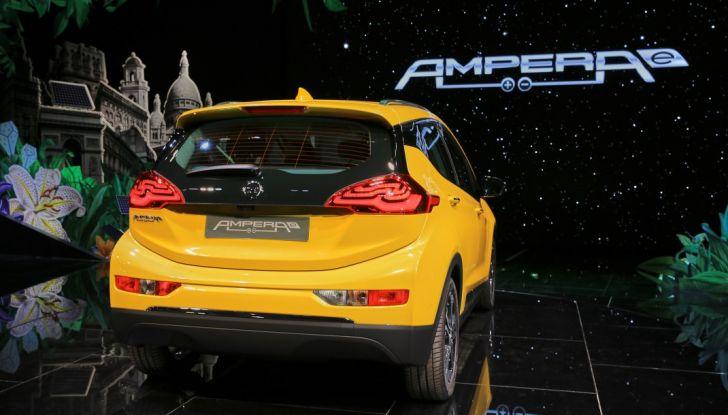 Nuova Opel Ampera-e: la ricarica rapida garantisce un'autonomia di 150 chilometri - Foto 8 di 27