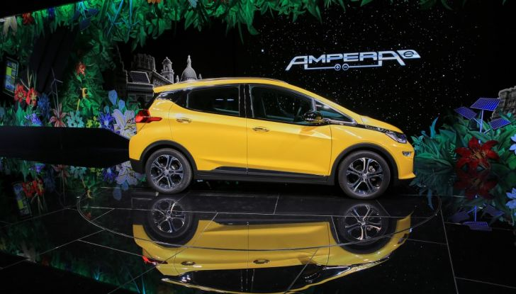 Opel Ampera-e, la monovolume elettrica debutta al salone dell'Auto di Parigi 2016 - Foto 9 di 27