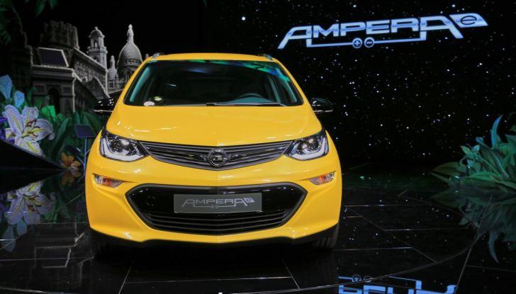 Opel Ampera-e, la monovolume elettrica debutta al salone dell'Auto di Parigi 2016 - Foto 10 di 27
