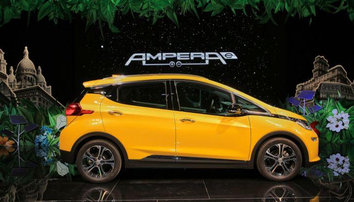 Opel Ampera-e, la monovolume elettrica debutta al salone dell'Auto di Parigi 2016 - Foto 12 di 27