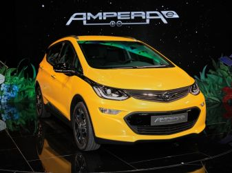 Opel Ampera-e, la monovolume elettrica debutta al salone dell'Auto di Parigi 2016
