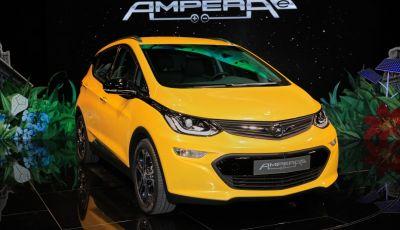 Nuova Opel Ampera-e: la ricarica rapida garantisce un'autonomia di 150 chilometri