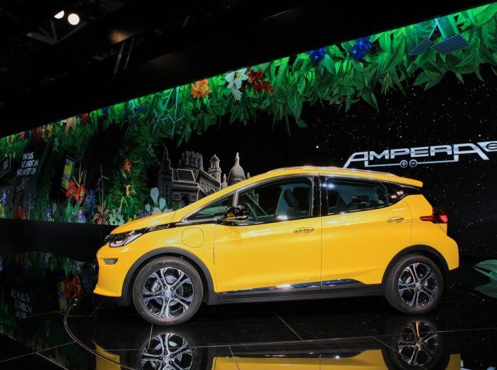 Nuova Opel Ampera-e: la ricarica rapida garantisce un'autonomia di 150 chilometri - Foto 14 di 27