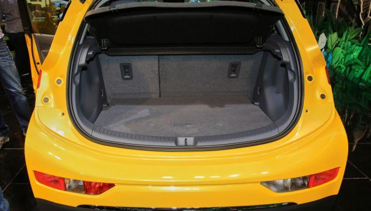 Nuova Opel Ampera-e: la ricarica rapida garantisce un'autonomia di 150 chilometri - Foto 18 di 27