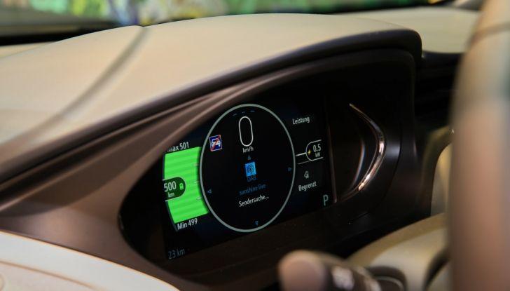 Nuova Opel Ampera-e: la ricarica rapida garantisce un'autonomia di 150 chilometri - Foto 20 di 27