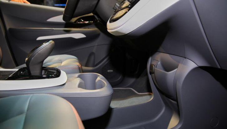 Nuova Opel Ampera-e: la ricarica rapida garantisce un'autonomia di 150 chilometri - Foto 24 di 27
