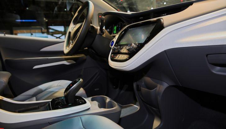 Nuova Opel Ampera-e: la ricarica rapida garantisce un'autonomia di 150 chilometri - Foto 25 di 27