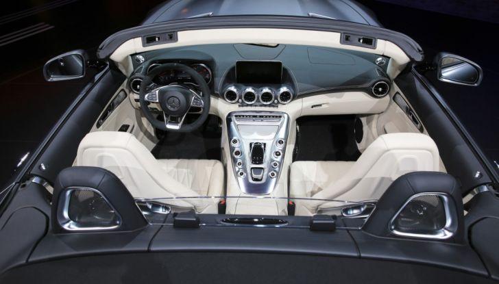 auto novità mercedes AMG GT C Roadster interno salone Parigi 2016