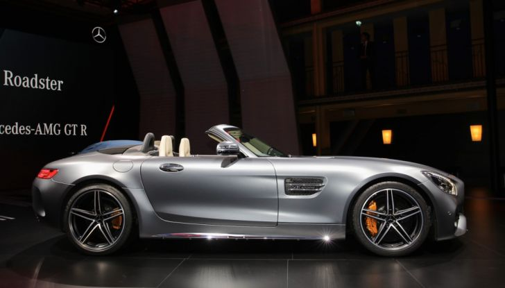 auto novità mercedes AMG GT C Roadster salone Parigi 2016