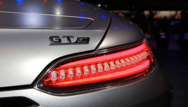 auto novità mercedes amg GT C Roadster fanale Salone di Parig