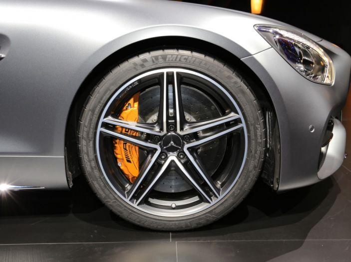 auto novità mercedes amg GT C Roadster cerchione Salone di Parigi