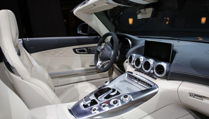 auto novità mercedes amg GT C Roadster interno Salone di Parigi