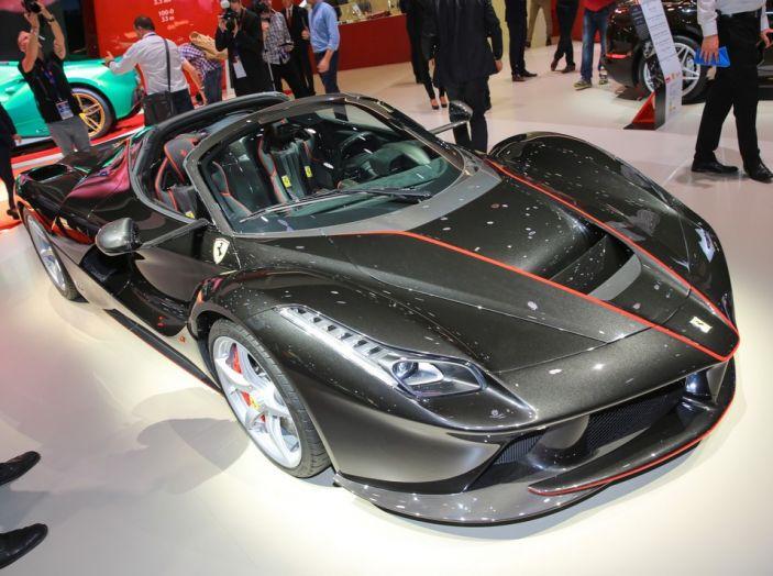 Ferrari aperta LaFerrari spider live Parigi 2016 1