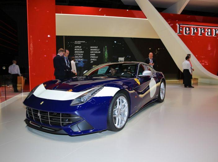 Ferrari F12 berlinetta novità salone parigi 2016