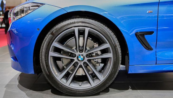 auto salone parigi bmw serie 3 GT ruota