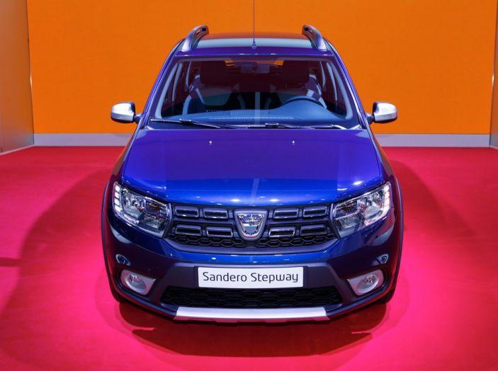 Dacia Sandero Stepway novità salone Parigi 2016