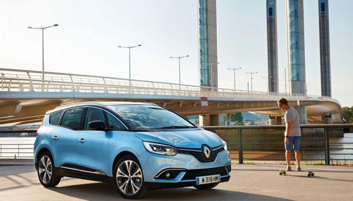 Test drive Nuova Renault Scenic 5 posti e 7 posti - Foto 16 di 35
