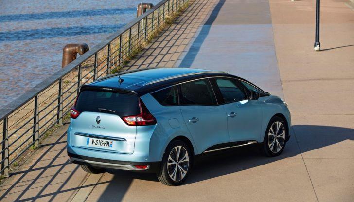 Test drive Nuova Renault Scenic 5 posti e 7 posti - Foto 17 di 35