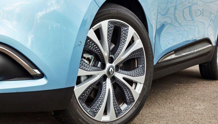 Test drive Nuova Renault Scenic 5 posti e 7 posti - Foto 33 di 35